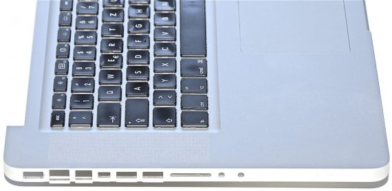 "Original Apple Topcase & Tastatur & Trackpad MacBook Pro Unibody 15"" Mid 2010 A1286-719"