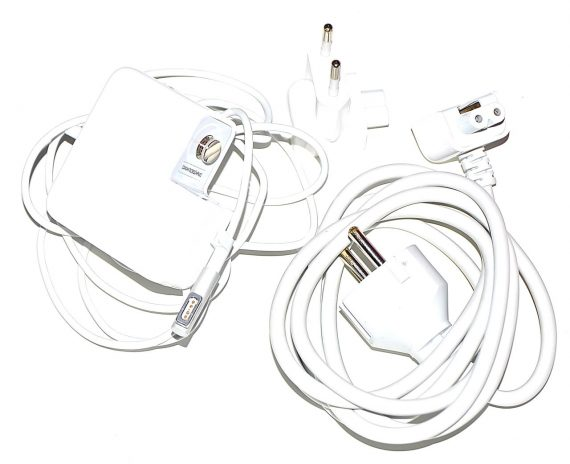 "Original Apple Magsafe Power Adapter 45W MacBook Air 11"" Model A1244 Late 2010-0"