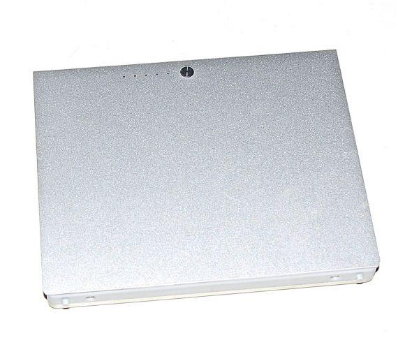 """MacBook Pro 15"""" Akku / Batterie A1175 291 Ladezyklen Model A1260-0"""