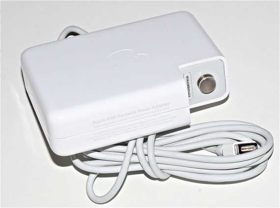 "Original Apple Netzteil / Magsafe A1172 85W MacBook Pro 13"" A1278 Mid 2009 661-3863-0"