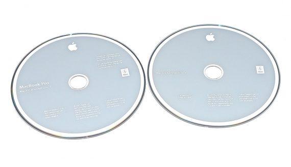 """MacBook Pro 17"""" 2 DVD MAC OS X 10.4.10 Model A1261-0"""